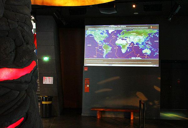 Planisphère des volcans recensés à travers le monde