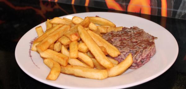 Steak-frites de la cafétéria des Puys