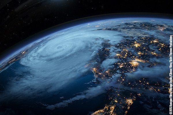 Film Ouragan à Vulcania : suivez l'un des phénomènes naturels les plus dévastateurs de notre planète !