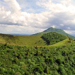 Puy de Côme dans la chaîne des Puy d'Auvergne